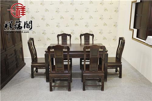 红木餐桌搭配哪种桌布更合适