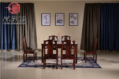 红木餐桌配什么餐具美感展现更强