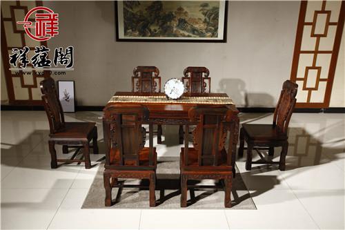 告诉你中式红木家具餐桌如何选择