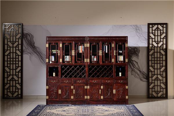 带你了解红木酒柜摆放要注意什么
