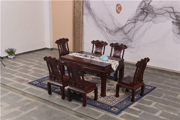 红木餐桌的风水细节和保养