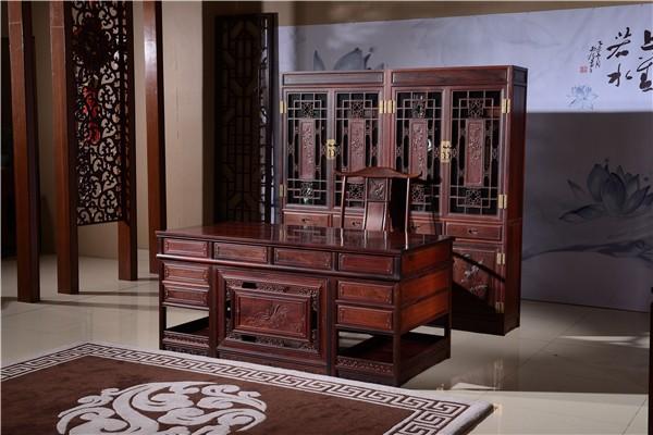 红木书桌书柜摆放有讲究吗