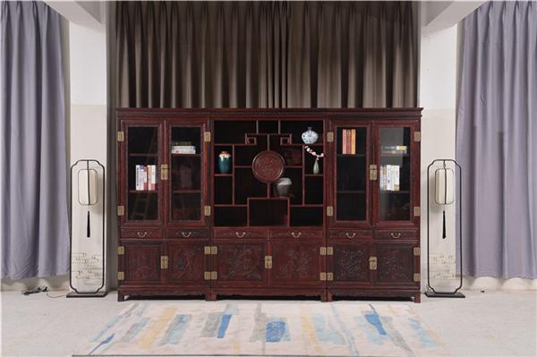 为何有些用户喜欢红木书柜的尺寸较小
