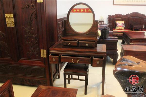 衣柜梳妆台一体组合柜的好处 衣柜梳妆台怎么组合好看