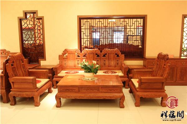 新婚夫妇客厅放红木沙发好看吗 美观吗