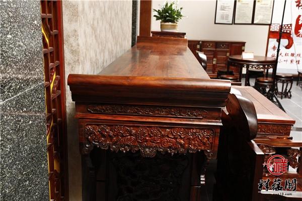 红木中堂案台怎么搭配