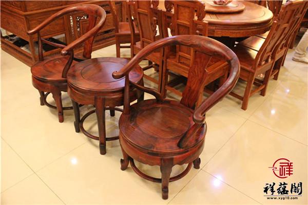 专家教你红木圈椅客厅摆放对称