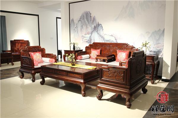 如果客厅太小又该怎样去摆放一套红木沙发