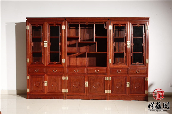 红木书柜摆什么东西比较好