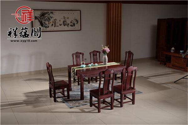 红木餐桌应选长条还是圆台? 选对餐桌让你的每一餐都幸福感十足