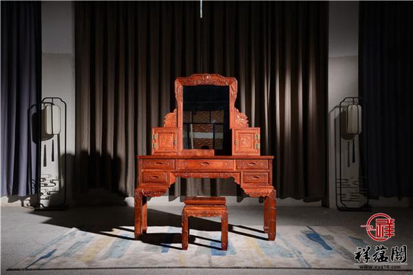 与红木家具配的衣柜什么颜色最好