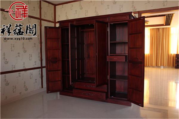 红木衣柜配什么颜色门